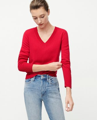 Cashmere Fitted V-neck Sweater – Red